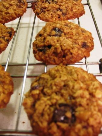 Cherry Walnut Oatmeal Cookies | Clean Plate
